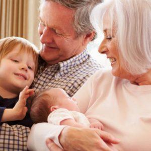 Arrivée de bébé : comment aider les nouveaux parents?